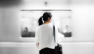 girl-in-subway